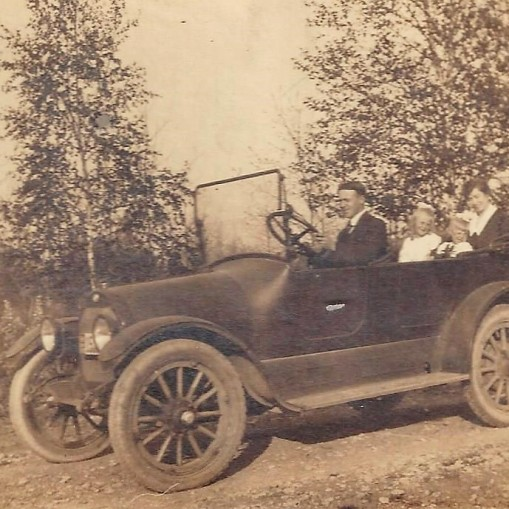 Fred & family - 1919 car - my mom in the back