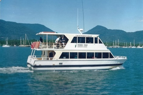 Cairns harbor cruise