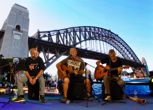 more music at harbour bridge