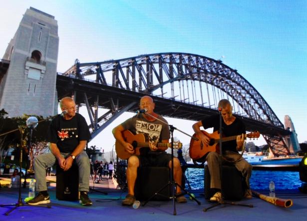more music at harbour bridge