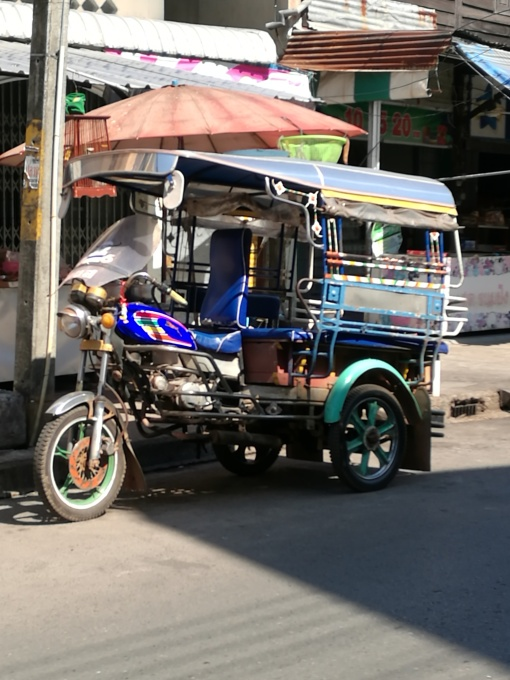 Tuk Tuk to bridge