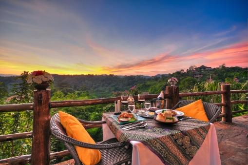 spectacular dinning views