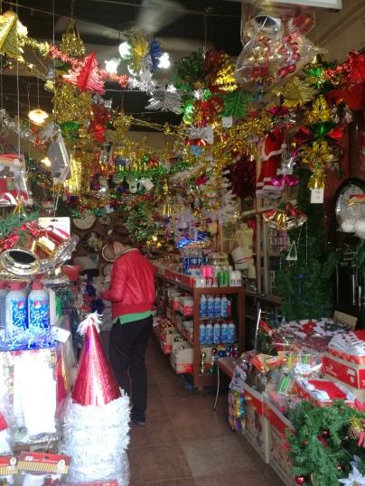 xmas decoration shop