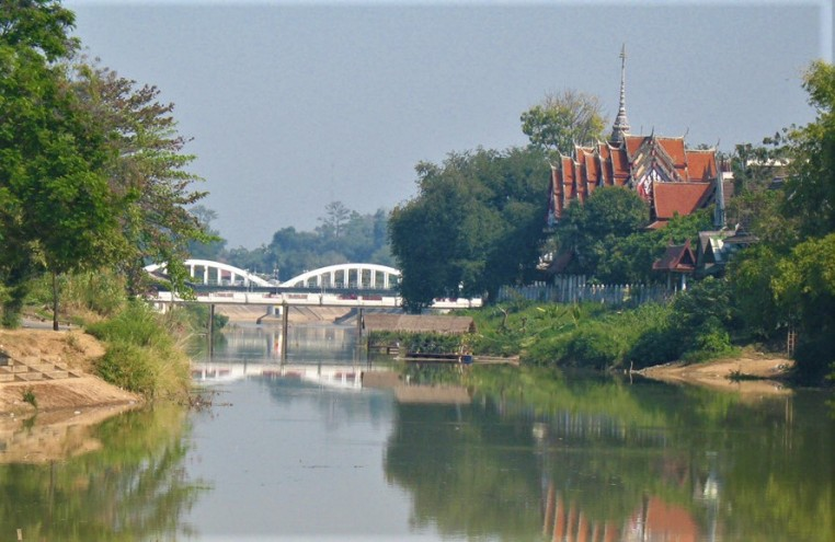 Wang River & Ratsadaphisek Bridge